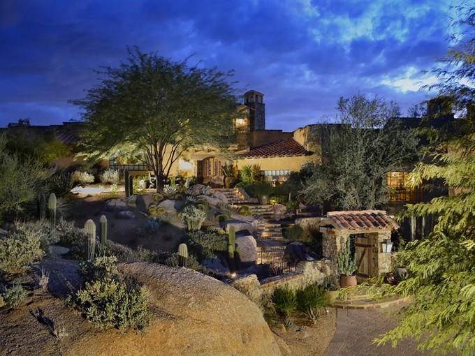 Casa para uma família for sales at Grand Elegant Estate in World Renowned Estancia 27950 N 103rd Place  Scottsdale, Arizona 85262 Estados Unidos