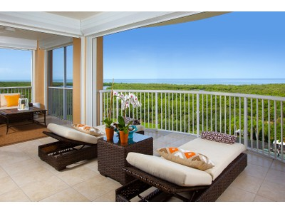 共管式独立产权公寓 for sales at PELICAN BAY - ST RAPHAEL 7117  Pelican Bay Blvd 801 Naples, 佛罗里达州 34108 美国