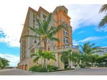 共管式独立产权公寓 for sales at GRANDE RIVIERA 420  Golden Gate Pt 700PH   Sarasota, 佛罗里达州 34236 美国