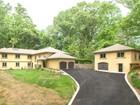 一戸建て for sales at 6529 Crosswoods Drive, Falls Church  Falls Church, バージニア 22044 アメリカ合衆国