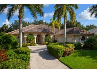 Maison unifamiliale for sales at PELICAN LANDING  HERON POINT 3616  Heron Point Ct  Bonita Springs, Florida 34134 États-Unis