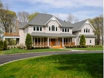 Villa for sales at Colonial 31 Bouton Rd   Lloyd Harbor, New York 11743 Stati Uniti