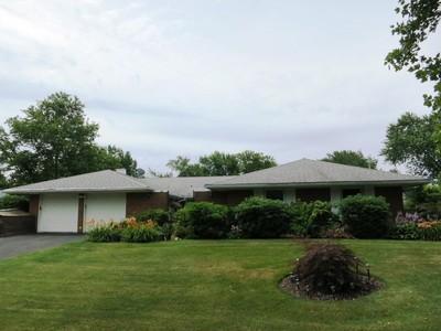 Casa Unifamiliar for sales at Ranch  Stony Brook, Nueva York 11790 Estados Unidos