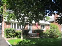 Casa para uma família for sales at Cape 9 Cypress Ave   Port Washington, Nova York 11050 Estados Unidos