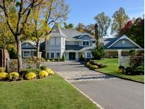 Villa for sales at Pondside    Locust Valley, New York 11560 Stati Uniti
