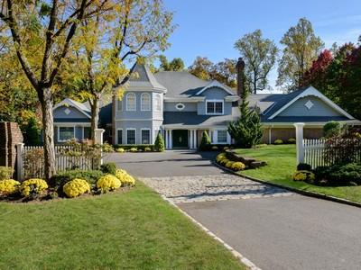 단독 가정 주택 for sales at Pondside  Locust Valley, 뉴욕 11560 미국