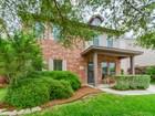 Vivienda unifamiliar for sales at Spacious Home in Oak Ridge Village 13623 Barrow Oak  San Antonio, Texas 78247 Estados Unidos