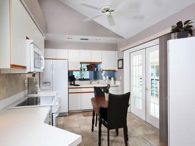 Condominio for sales at WATERFRONT IN NAPLES 2174  Anchorage Ln Naples, Florida 34104 Stati Uniti