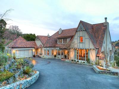 Single Family Home for  at Storybook Estate 300 Oak Avenue San Anselmo, California 94960 United States