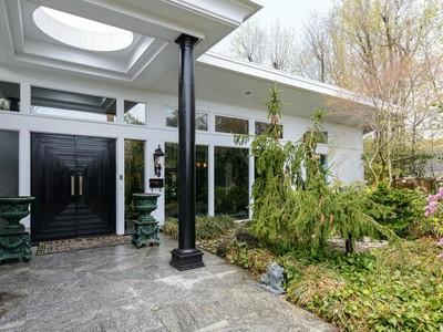 Casa para uma família for sales at Contemporary 1312 Auerbach Ave Hewlett Harbor, Nova York 11557 Estados Unidos