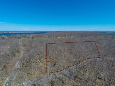 Land for sales at Land 2 Dering Woods Rd Shelter Island, New York 11964 United States
