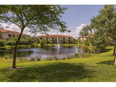 Copropriété for sales at POSITANO PLACE 13000  Positano Cir 108 Naples, Florida 34105 États-Unis