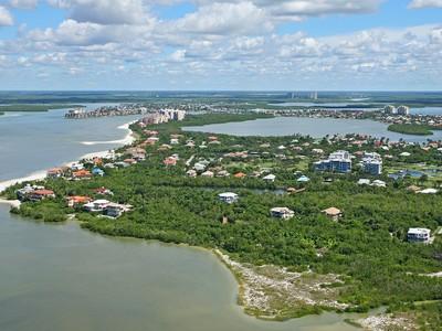 Casa para uma família for sales at MARCO ISLAND - ESTATES 341  Seabreeze Dr Marco Island, Florida 34145 Estados Unidos