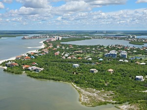 Single Family Home for Sales at MARCO ISLAND - ESTATES 341  Seabreeze Dr Marco Island, Florida 34145 United States