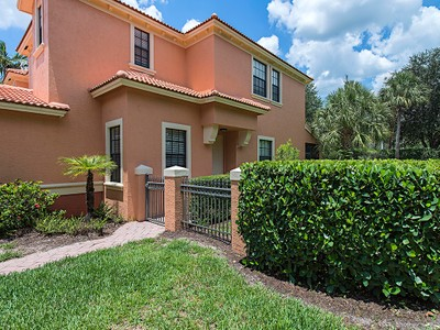 Residência urbana for sales at SUMMIT PLACE 14944  Summit Place Cir 17 Naples, Florida 34119 Estados Unidos