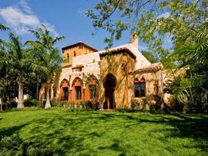 Maison unifamiliale for Ventes at 1855 S BAYSHORE DR  Coconut Grove, Florida 33133 États-Unis