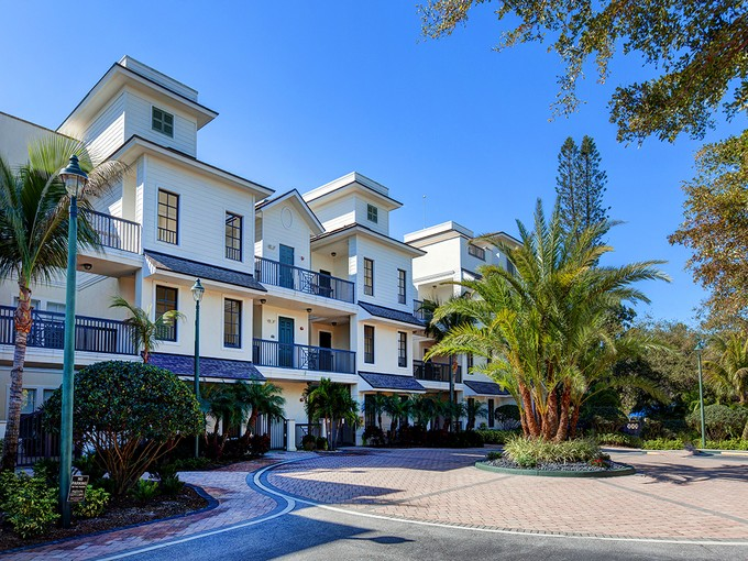 Condominium for sales at HUDSON CROSSING 888 S Orange Ave 3C Sarasota, Florida 34236 United States