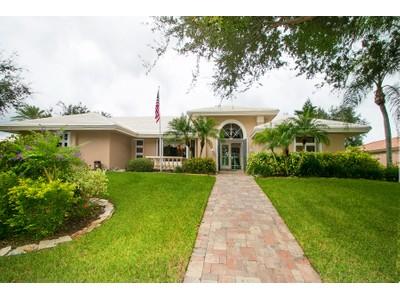Maison unifamiliale for sales at SOUTHBAY YACHT & RACQUET CLUB 201  Harbor House Dr  Osprey, Florida 34229 États-Unis