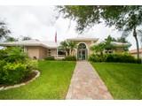 Nhà ở một gia đình for sales at SOUTHBAY YACHT & RACQUET CLUB 201  Harbor House Dr, Osprey, Florida 34229 Hoa Kỳ