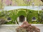 一戸建て for  sales at 5702 Fern Hill Run, Mclean  McLean, バージニア 22101 アメリカ合衆国