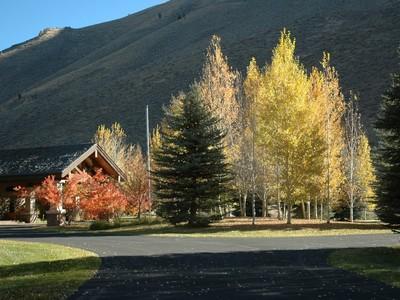 Nhà ở một gia đình for sales at Gimlet 303 Wall Street Ketchum, Idaho 83340 Hoa Kỳ