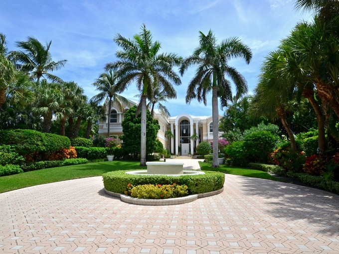 Single Family Home for sales at 717 S Ocean Blvd, Delray Beach, FL 33483  Delray Beach, Florida 33483 United States