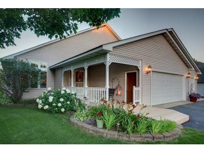 Maison unifamiliale for sales at 10064 Fox Run Cove   Woodbury, Minnesota 55129 États-Unis