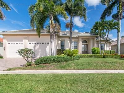 Vivienda unifamiliar for sales at MARCO ISLAND - STARFISH COURT 140  Starfish Ct Marco Island, Florida 34145 Estados Unidos