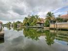 Maison unifamiliale for sales at AQUALANE SHORES 475  15th Ave  Naples, Florida 34102 États-Unis