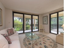 Condomínio for sales at PELICAN BAY - CHATEAUMERE 6040  Pelican Bay Blvd D-104   Naples, Florida 34108 Estados Unidos
