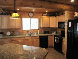 Additional photo for property listing at Beautiful Log Cabin in Most Desirable Guard Gated White Mountain Summer Homes 2040 Jackrabbit  Pinetop, Arizona 85935 United States