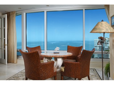 Condo / Townhome / Villa for sales at 4151 Gulf Shore Blvd N Ph3  Naples, Florida 34103 United States