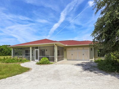 Casa Unifamiliar for sales at ENGLEWOOD 800  Stoner Rd Englewood, Florida 34223 Estados Unidos