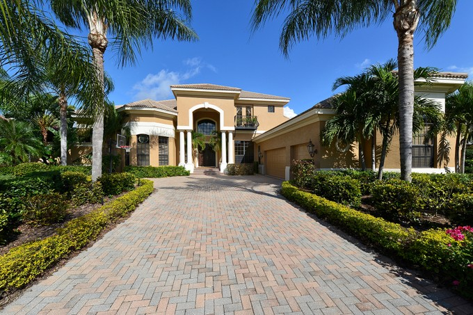 Single Family Home for sales at LAKEWOOD RANCH COUNTRY CLUB VILLAGE 6915  Westchester Cir   Lakewood Ranch, Florida 34202 United States