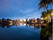 Casa Unifamiliar for sales at PARK SHORE 334  Pirates Bight   Naples, Florida 34103 Estados Unidos