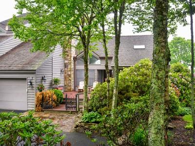 共管式独立产权公寓 for sales at LINVILLE RIDGE 902  Crest Lane Linville, 北卡罗来纳州 28646 美国