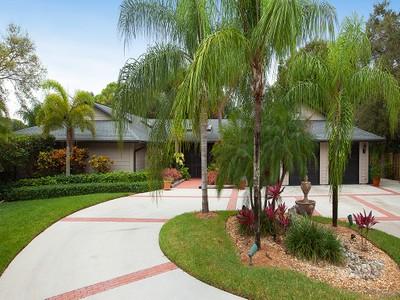 Частный односемейный дом for sales at PALM RIVER - PALM RIVER ESTATES 123  Forestwood Dr Naples, Флорида 34110 Соединенные Штаты