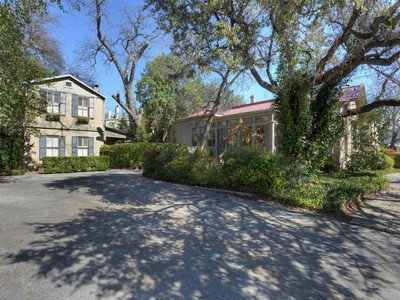Other Residential for sales at Beautiful Bed and Breakfast Steps From Riverwalk 222 E Guenther St San Antonio, Texas 78204 United States