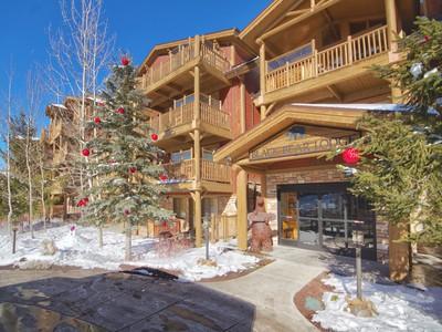 共管式独立产权公寓 for sales at Ski, Bike, Hike at Silver Lake 7447 Royal St E #104 Park City, 犹他州 84060 美国