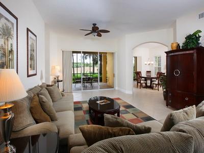 Condominio for sales at FIDDLER'S CREEK - CASCADA 9078  Cascada Way 102 Naples, Florida 34114 Estados Unidos