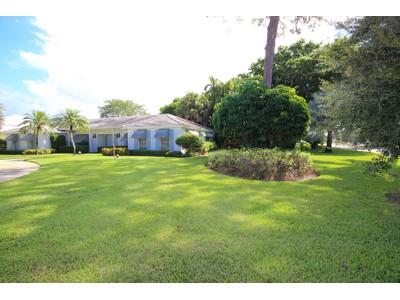 Nhà ở một gia đình for sales at THE MOORINGS 2900  Crayton Rd Naples, Florida 34103 Hoa Kỳ