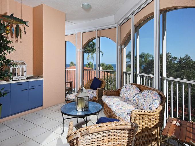 Condominio for sales at HIDEAWAY BEACH - ROYAL MARCO POINT 2000  Royal Marco Way 310   Marco Island, Florida 34145 Stati Uniti