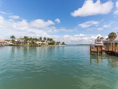 獨棟家庭住宅 for sales at MARCO ISLAND 487  Pepperwood Ct Marco Island, 佛羅里達州 34145 美國