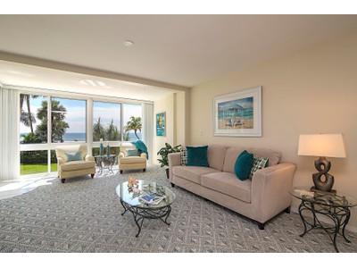 Condominio for sales at THE MOORINGS - ROYAL PALM CLUB 2121  Gulf Shore Blvd  N 105 Naples, Florida 34102 Stati Uniti