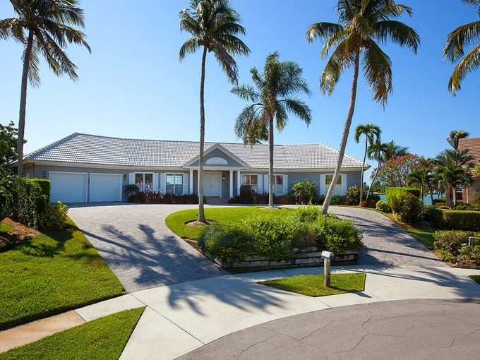 Maison unifamiliale for sales at MARCO ISLAND - HAMMOCK CT 591  Hammock Ct Marco Island, Florida 34145 États-Unis
