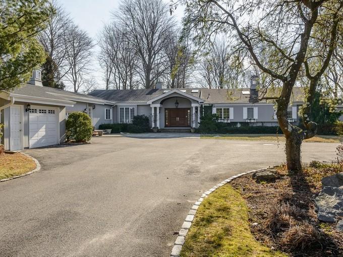 Casa para uma família for sales at Ranch 2 Spur Ln Old Westbury, Nova York 11568 Estados Unidos