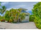 Частный односемейный дом for  sales at SANIBEL 2449  Harbour Ln Sanibel, Флорида 33957 Соединенные Штаты