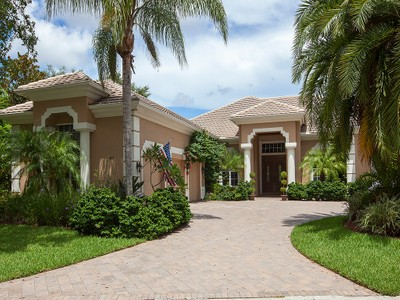 Casa para uma família for sales at VINYARDS-TERRACINA 425  Terracina Ct  Naples, Florida 34119 Estados Unidos