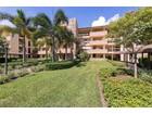 Kat Mülkiyeti for sales at WYNDEMERE - COMMONS 200  Wyndemere Way 204B   Naples, Florida 34105 Amerika Birleşik Devletleri
