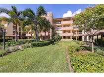 Appartement en copropriété for sales at WYNDEMERE - COMMONS 200  Wyndemere Way 204B   Naples, Florida 34105 États-Unis